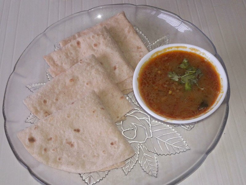 Math (Semi Dry) Sabji with Roti