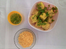 Gujarati Snacks - Sev Khaman (Yellow Dhokla with Sev) with Chatni - 700 ML - Homely - By Boskey Bardoliwala - 2