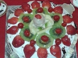 Cakes by Prachi Mishra - Vanilla Cream Fresh Fruits / 1 / 2 Kg - Homely - By Prachi Mishra - 3