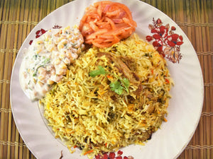 Chicken Biryani, Raita and Onion Laccha Salad - 1 Kg