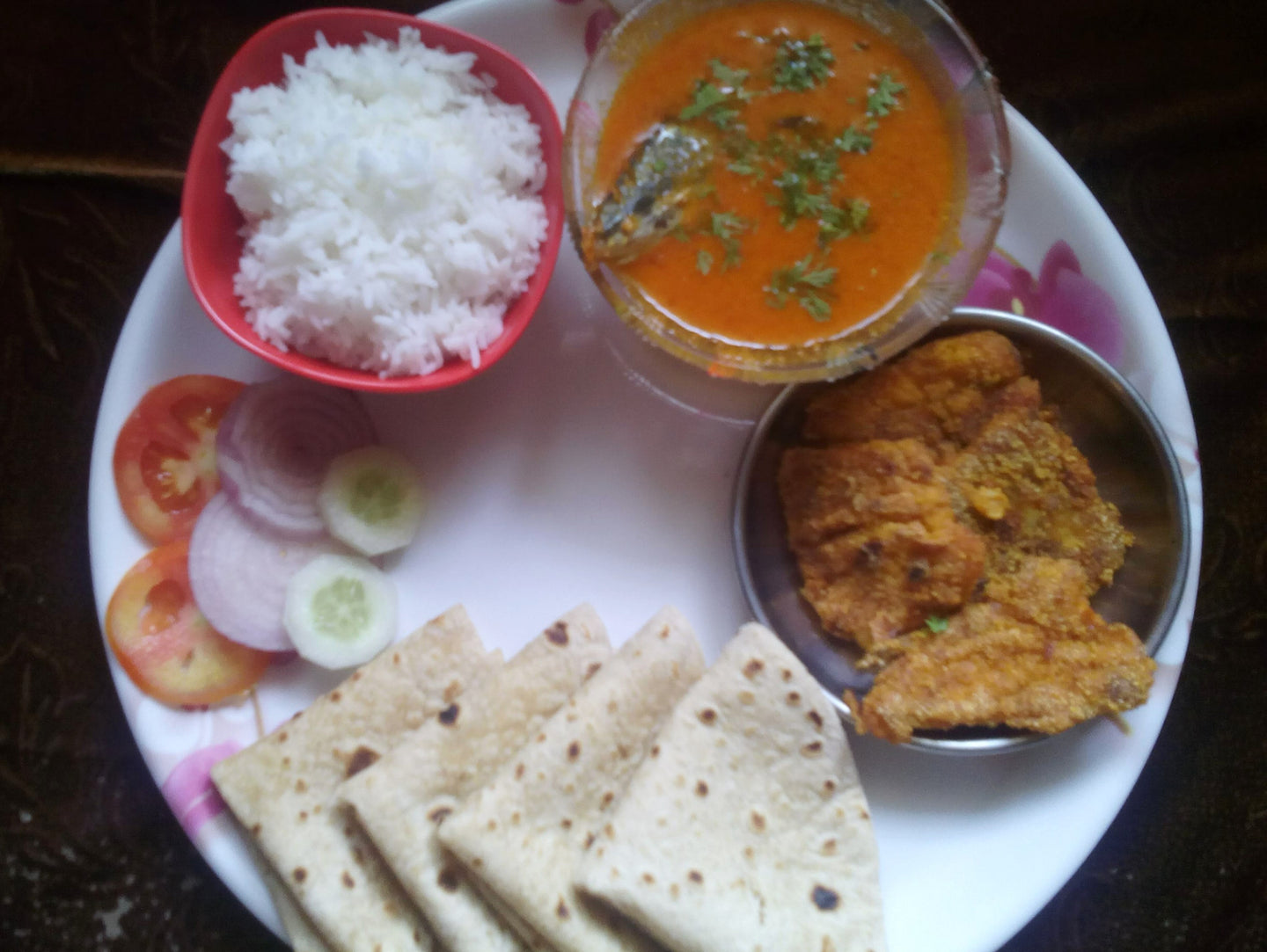 Bangda Fish Curry (1), Rice, Chapati, Bombil Fry (4), Salad