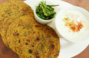 Methi Thepla with Pickle and Curd