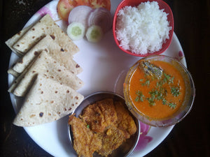 Halwa Fish Curry with Rice, Chapati, Bombil Fry & Salad