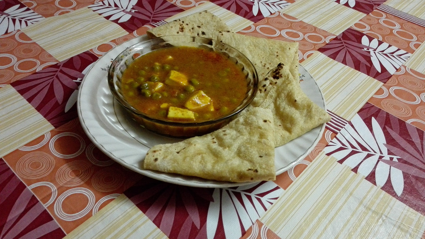 Mattar Paneer with Chapati (4)