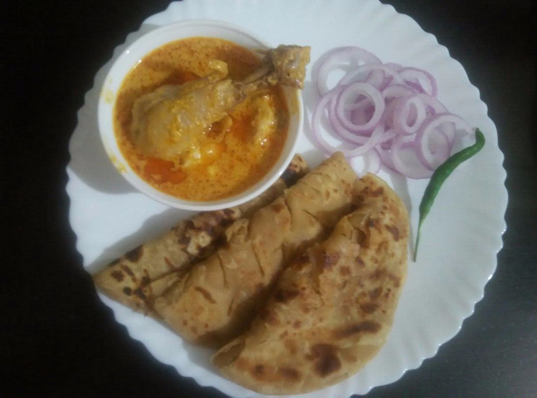 Butter Chicken with Parathas (3) and Laccha Onion