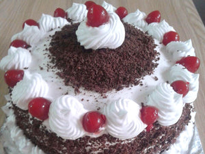 Cakes by Prajakta Gandhi (Eggless) - Black Forest Cake / 1 / 2 Kg - Homely - By Prajakta Gandhi - 1