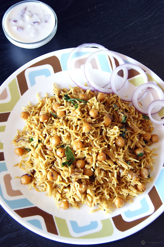 Dum Chole Biryani with Raita