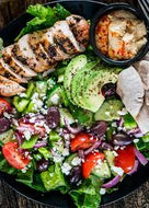Homely Greens : Mediterranean Salad with Grilled Chicken, Olive Oil Vinegrette