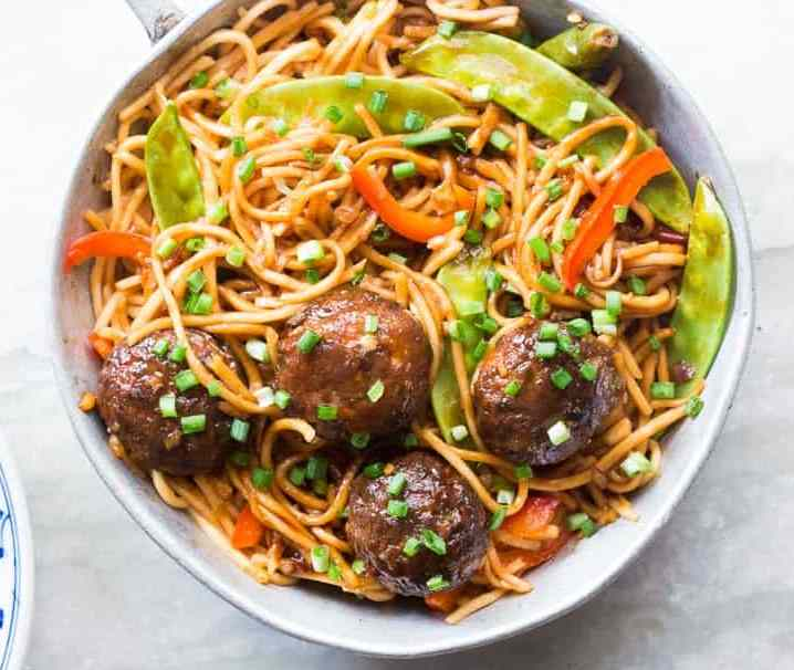 Homely Mini Treat: Veg Noodles with Manchurian