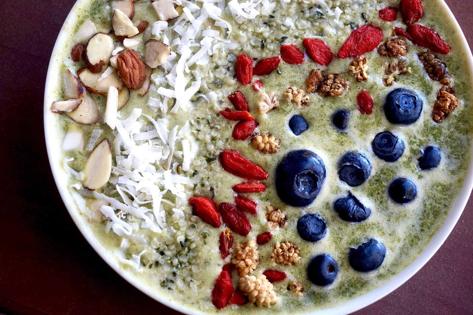 Essential Green Smoothie / Rachel Hengesh / @healthyfood