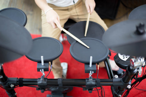 ELECTRONIC DRUMS AND E-KITS