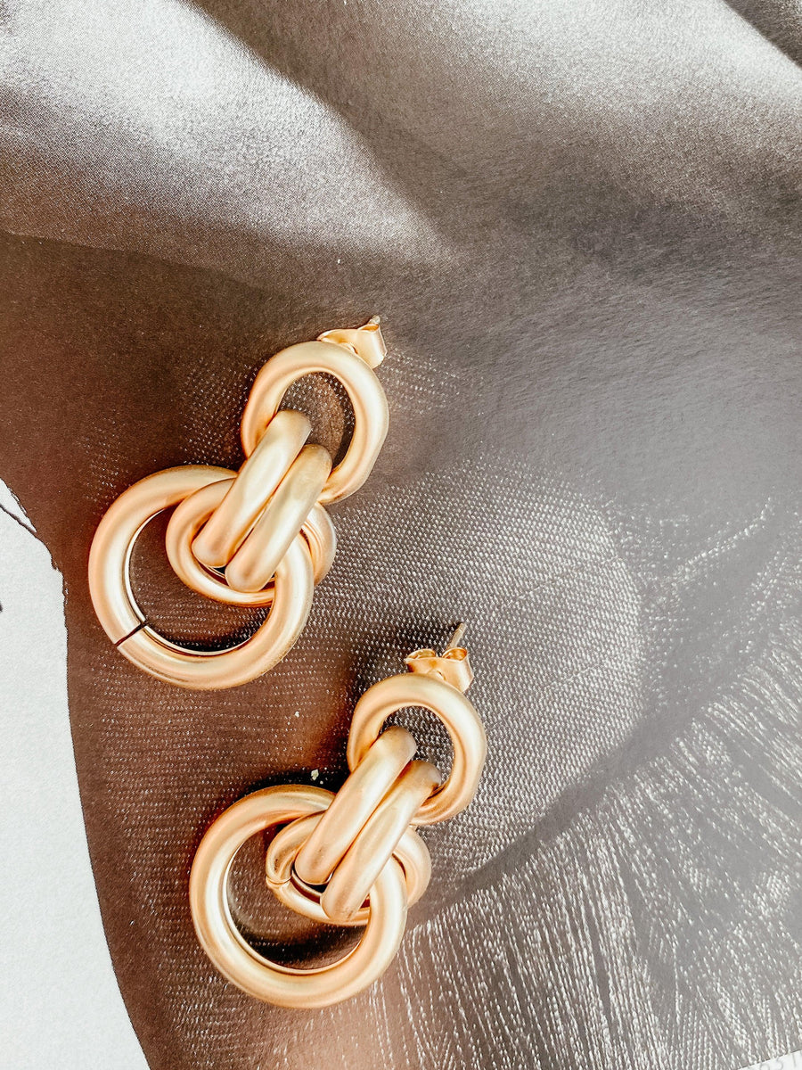 Gold Link Circle Earrings