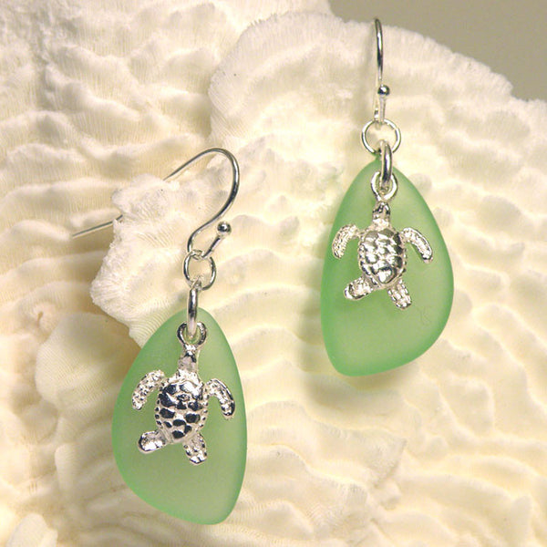 Sea Glass Earring with sea turtle 3009