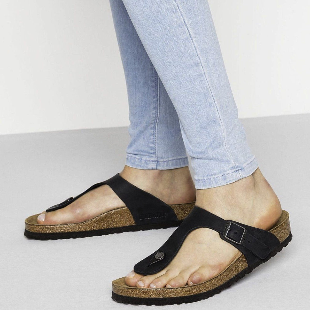 Birkenstock Seasonal, Gizeh, Oiled Leather, Regular Fit, Black Sandals Birkenstock Seasonal
