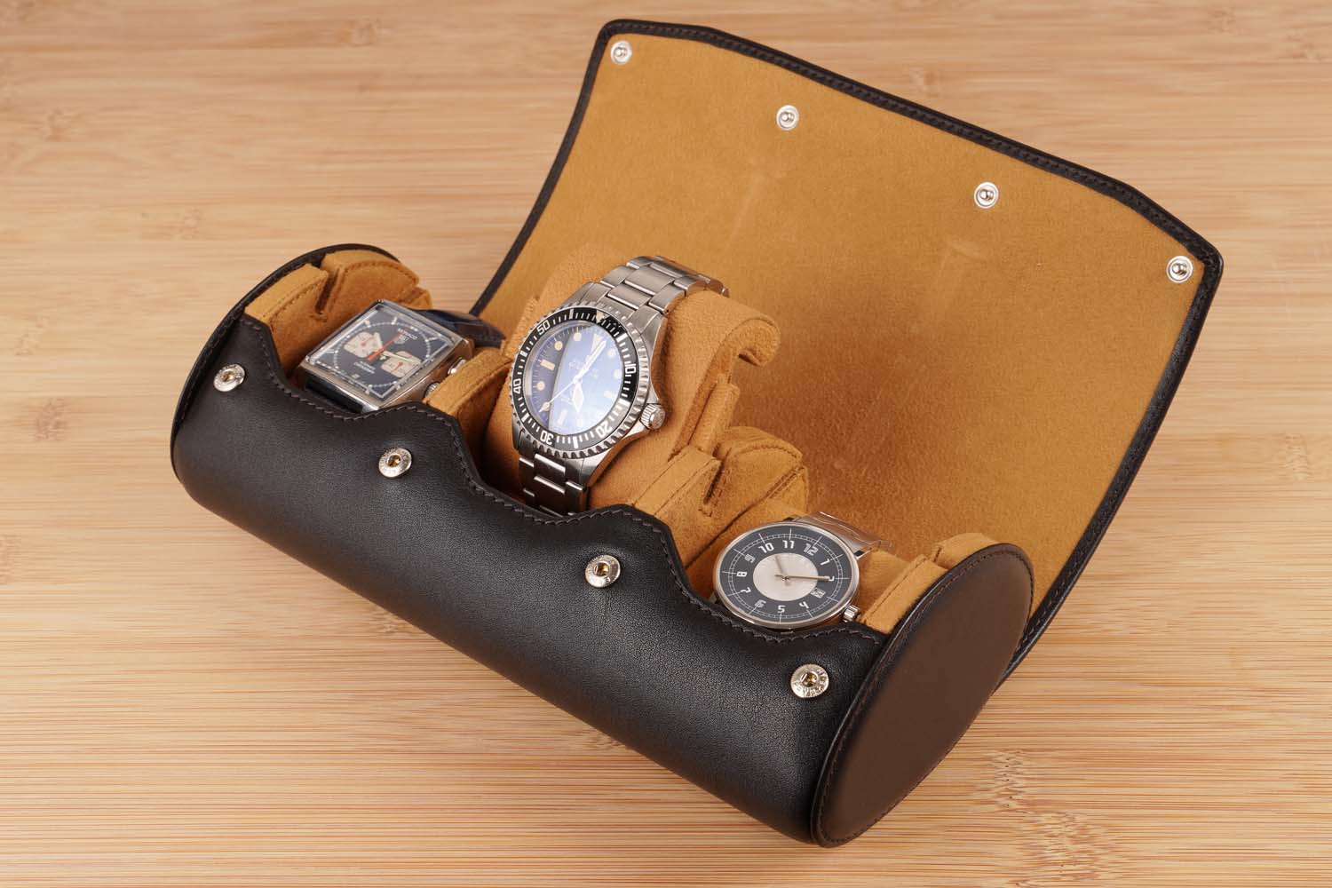 Brown-leather-watch-roll-3-watches-travel-case-Carapaz