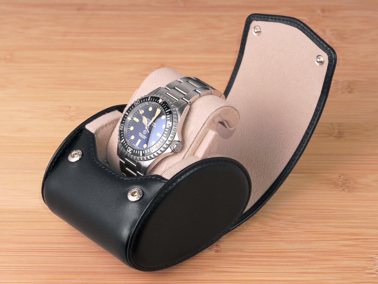 Single-watch-box-black-leather-Carapaz