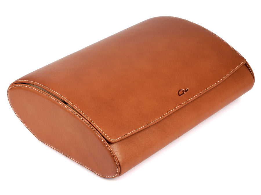 8-Watch-case-natural-leather-open-perspective-Carapaz