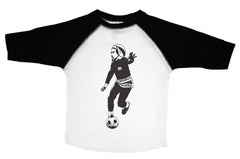 MARLEY / Bob Marley Playing Soccer Raglan Baseball Shirt for Toddlers