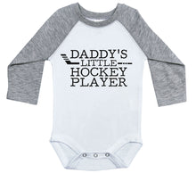 Load image into Gallery viewer, Daddy's Little Hockey Player / Raglan Onesie / Long Sleeve