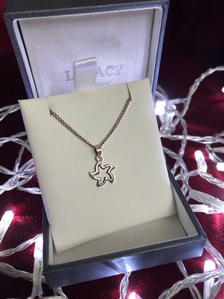 Wavy Star Necklace