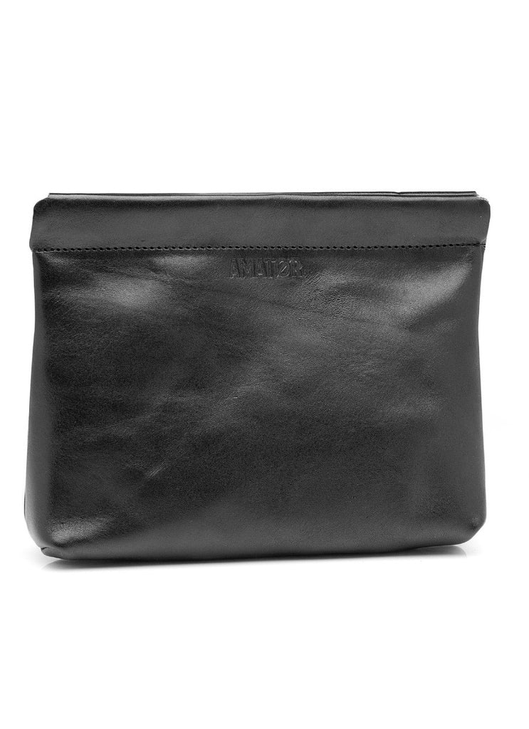 PERKY BLACK // Clutch