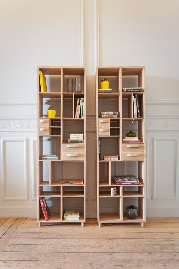 Oak Pirouette book rack