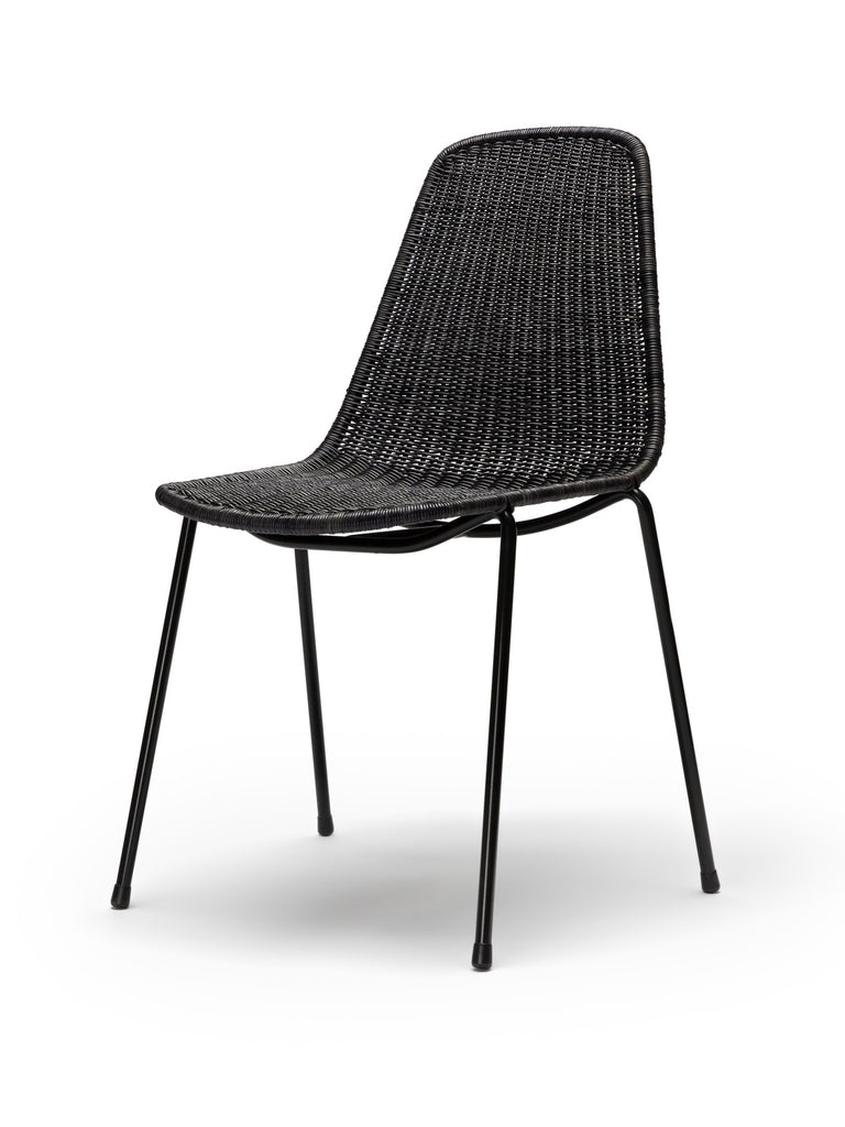 Basket chair (dark grey rattan slimit) front angle