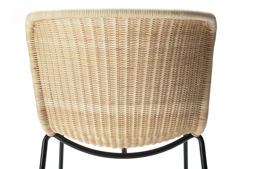 C603 chair indoor (natural rattan) close up