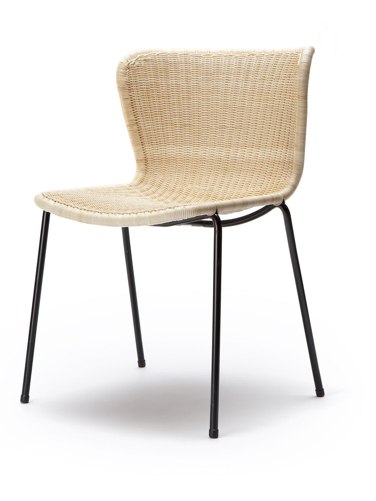C603 chair indoor (natural rattan) front angle