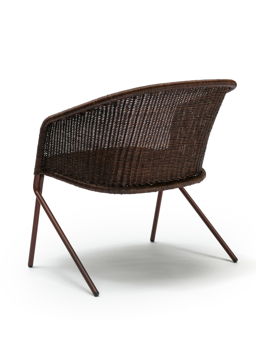 Kakī lounge chair (oxide red frame / rust rattan slimit) back angle