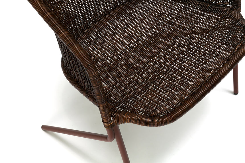 Kakī lounge chair (oxide red frame / rust rattan slimit) close up