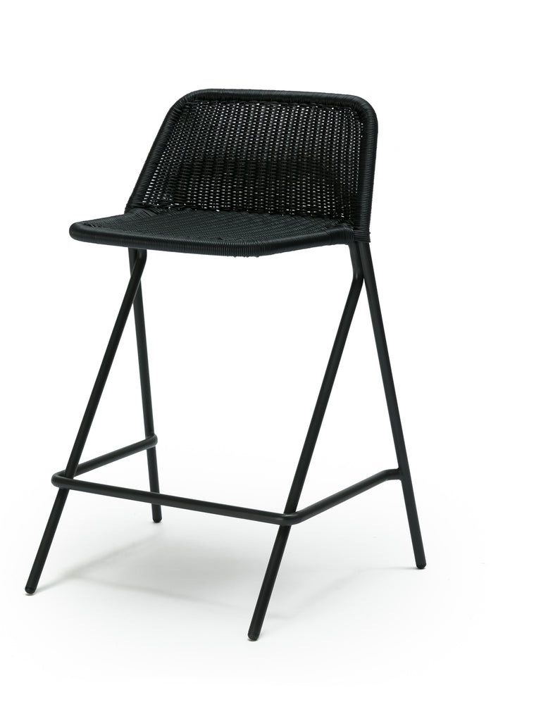 Kakī stool with backrest (charcoal polyethylene) front angle