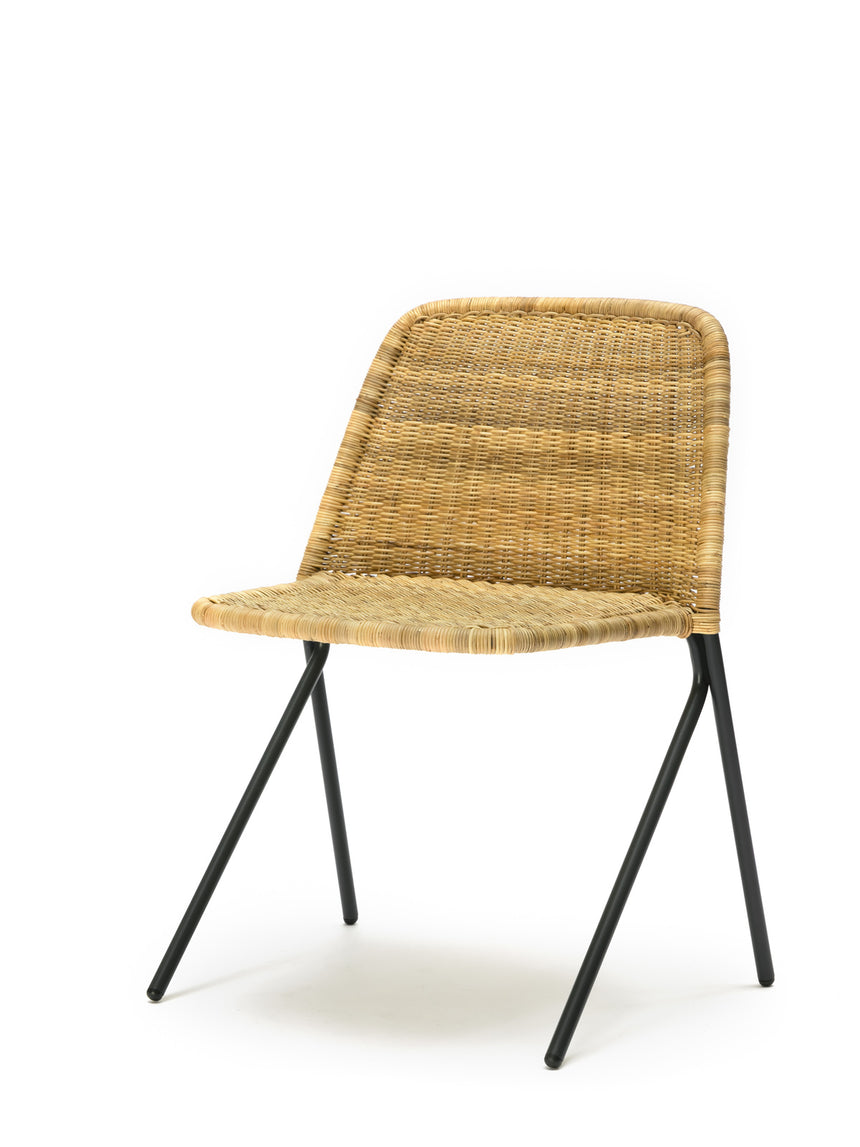 Kakī chair (natural rattan slimit) front angle