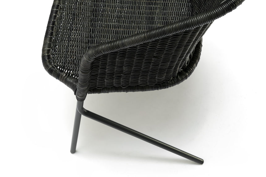 Kakī lounge chair (graphite) close up