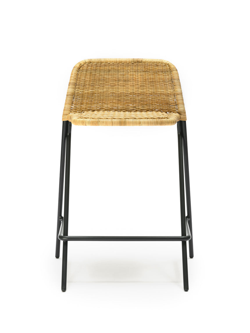 Kakī stool with backrest (natural rattan slimit) front