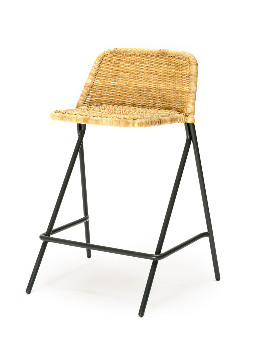Kakī stool with backrest (natural rattan slimit) front angle