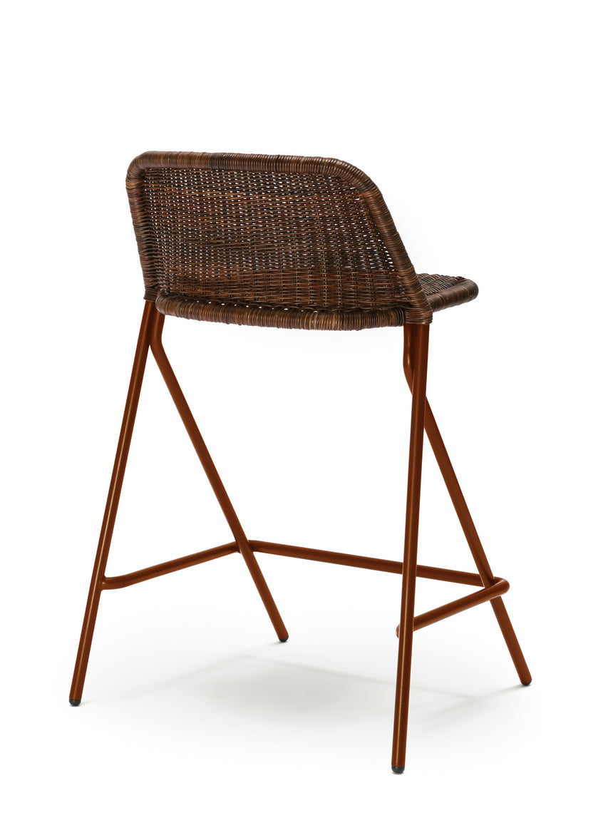 Kakī stool with backrest (oxide red frame / rust rattan slimit) back angle