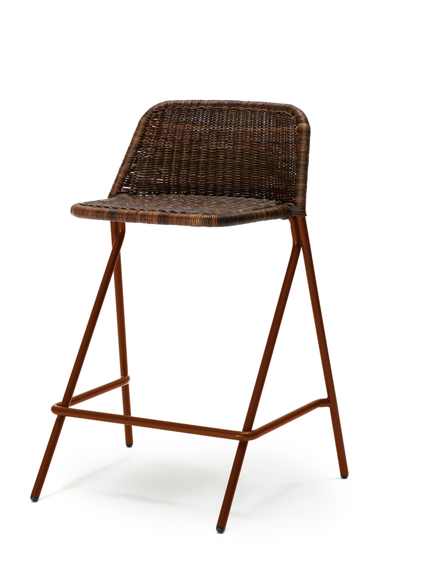 Kakī stool with backrest (oxide red frame / rust rattan slimit) front angle