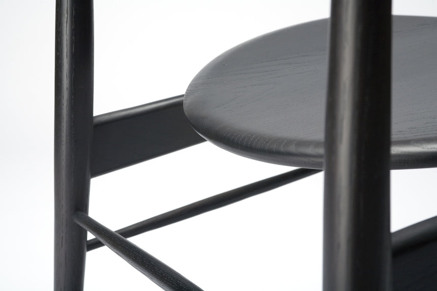 chair 170 (dark wenge oak) close up