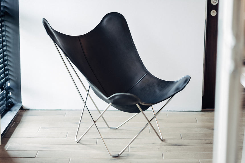 Pampa Mariposa Black Leather Chair