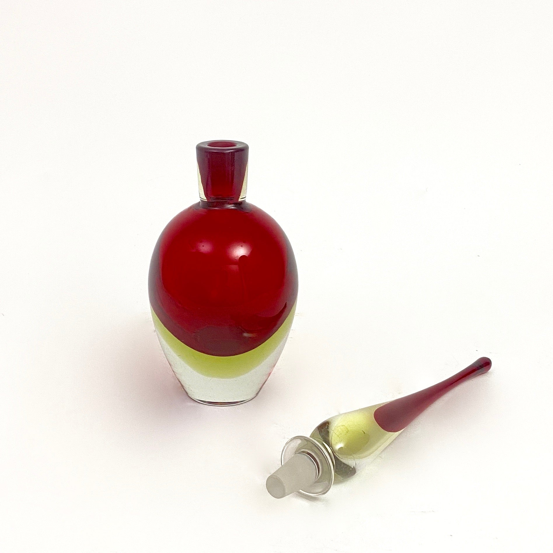 Elegant Murano glass decanter in the manner of Flavio poli.
