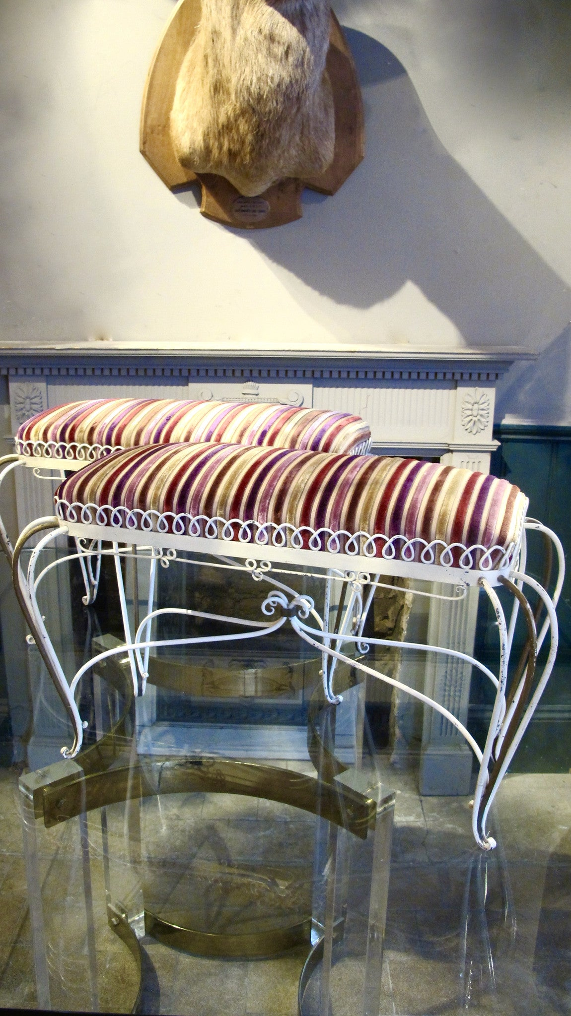 X Pair of italian 1950s upholstered Benches