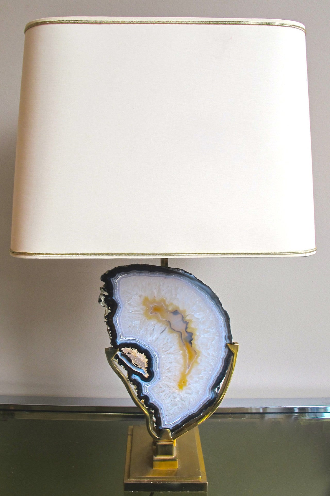 X Impressive 1970s brass and agate table Lamp in the style of Willy Daro.