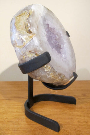 Mineral on a stand
