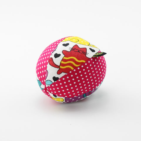 Love-heart Kitties Rattle Ball