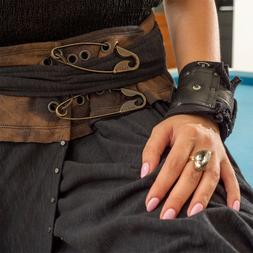 psylo fashion's Ash wrap skirt detail and croc statement ring by costume therpay