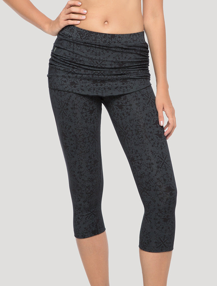 Isis Skirted 3/4 Leggings