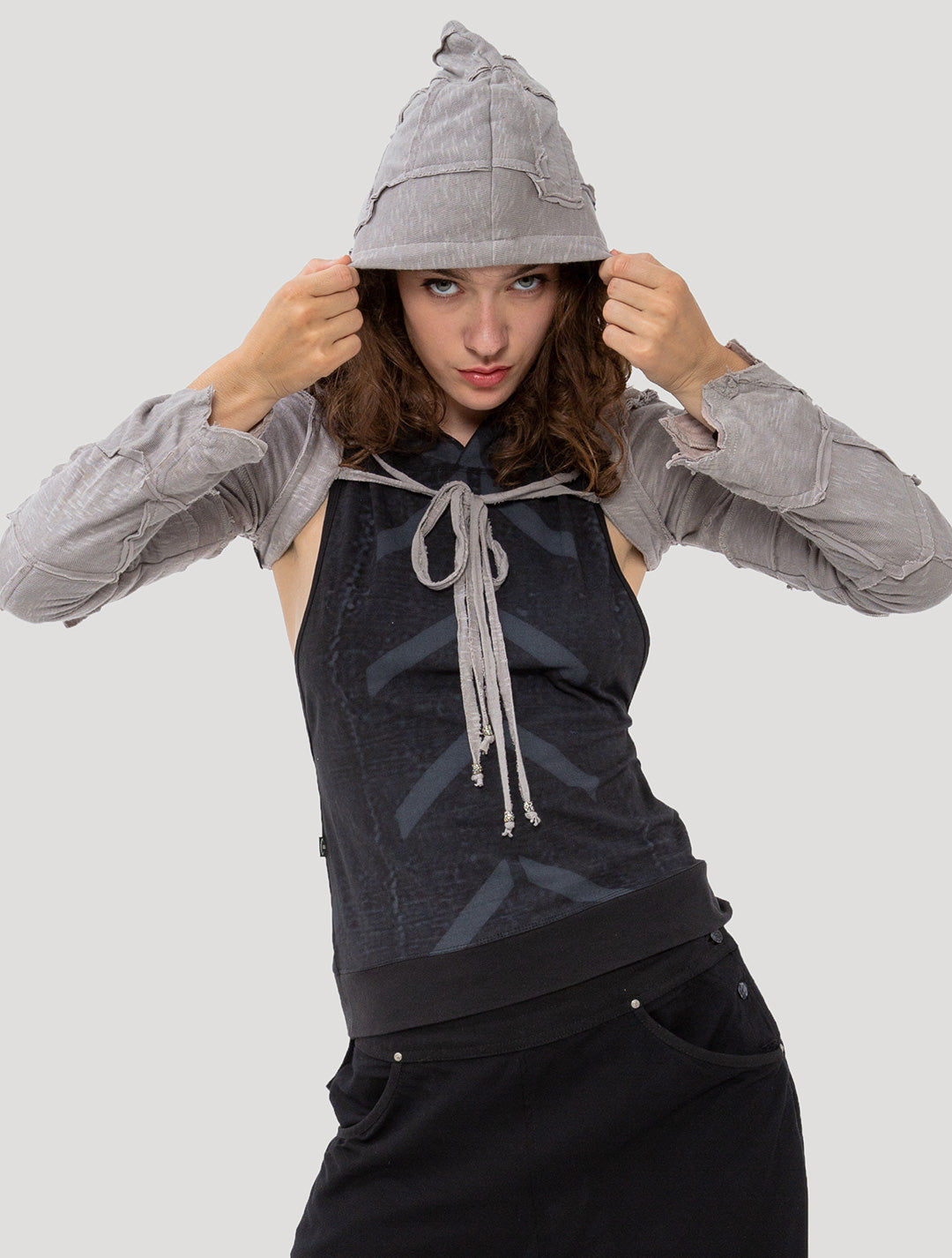 Pecoa Sleeves Rmx Hooded Shrug