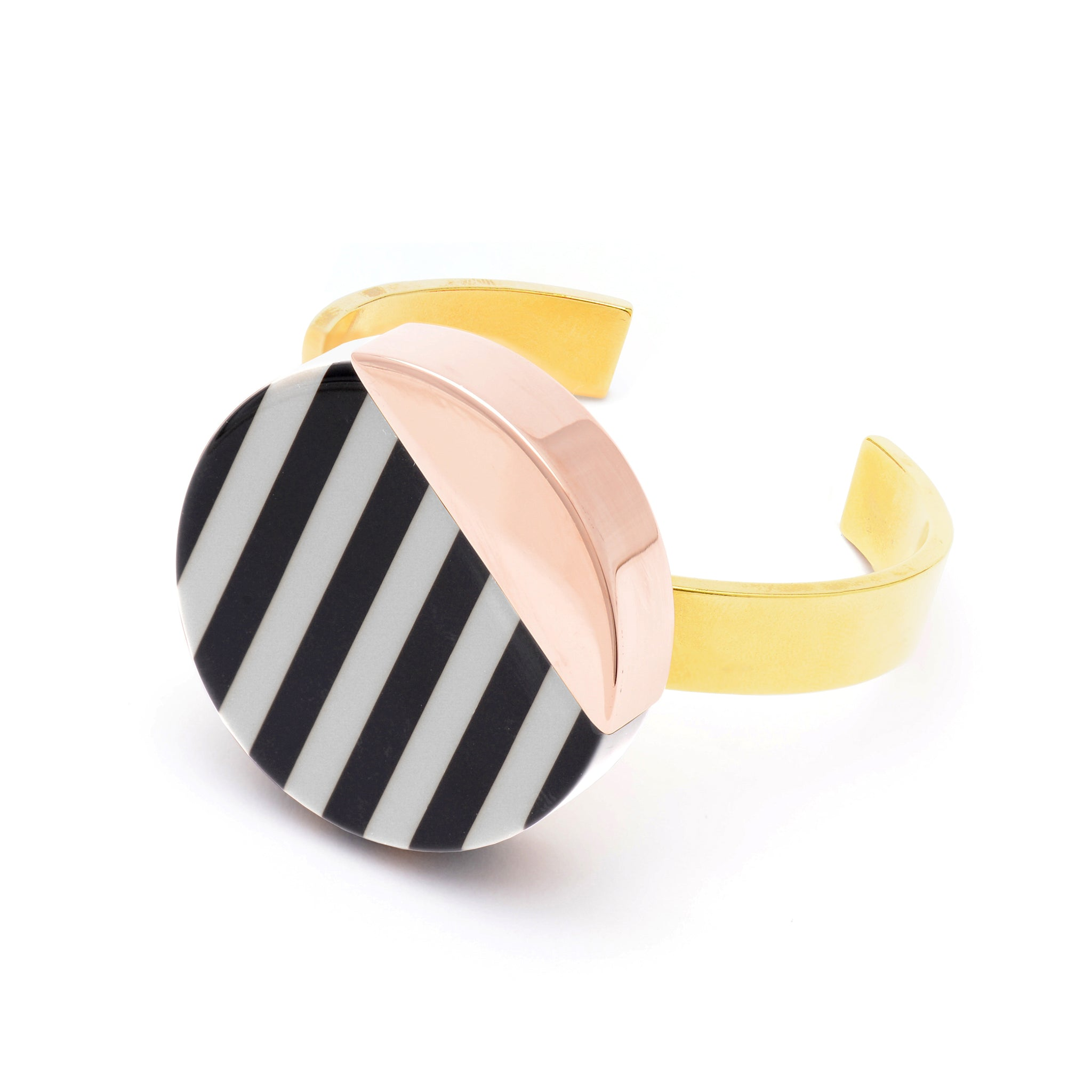 Bracelet with black and white striped Plate