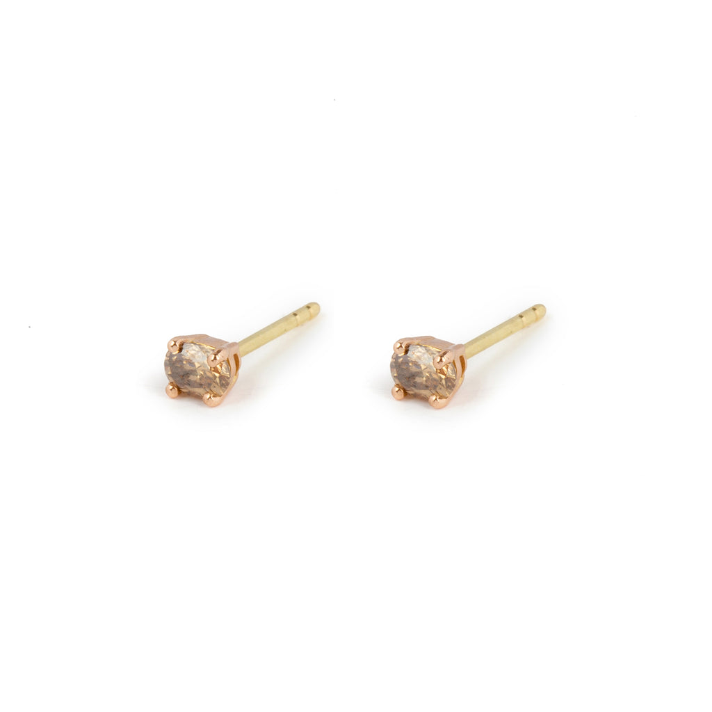18kt Gold Stud Earrings with cream Diamond